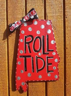 Alabama State Shape Wooden Door Hanger - Roll Tide, Alabama Crimson Tide, Metallic Silver by AnnPreidl on Etsy Football Yard Signs, Football Door Hangers, Alabama Crafts, Alabama Wreaths, Fall Wooden Door Hangers, Wooden Doors, Alabama Door Hanger, Hanger Logo, State Crafts