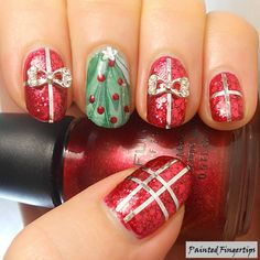 Water Marble Wednesday: Christmas Tree | Painted Fingertips