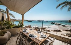 Are you a sun or shade person? Either way, you are about to enjoy one of the world's top seaside destinations from the most privileged seat: your table at Kenshō Psarou Beach Restaurant and Bar! Mykonos Beach Hotel, Mykonos Hotels, Beach Hotels, Restaurant Bar, Seaside, Greece, Destinations, Patio