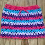 Yes! Rokje is af. #rokjehaken #grannyrokje #meisjesrokje #kleurrijk #crochet #hakenisleuk #klerenhaken #handmade #handgemaakt #Good2get