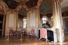 Hôtel de Soubise salon ovale de la princesse. Done in full Rococo, decorated by Germain Boffrand.