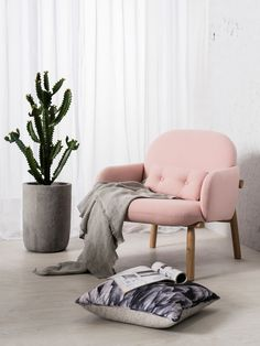 Quelque chose d'un rêve - Photos de clickon furniture, mettant en scène le fauteuil Georges de Guillaume Delvigne - #hartô #harto #decoration #interieur #mobilier #fauteuil #georges #decor #inspiration #trend #winter2016-2017 #cocooning #rose #guillaumedelvigne