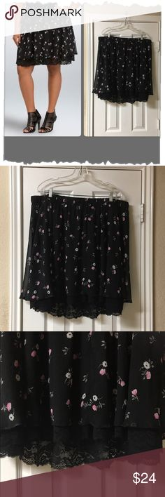 """Torrid Black Floral & Lace Circle Skirt So pretty! Torrid Black Floral & Lace Circle Skirt. Great condition. Elastic waist. Fully lined polyester with lace hem that peeks out from bottom. Waist 42""""-50"""", length 20"""". Great year round. Summer, spring, retro, vintage inspired, pin up, twirl, skater, grunge, swing Skirts Circle & Skater"""