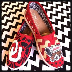 Hand Painted OU Toms Shoes by LeopardStudios on Etsy