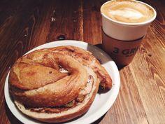 #3greensmarket #chicago #bagel #latte #coffee #bakery