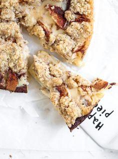 Äppelpajkladdkaka Cookie Cake Pie, Cookie Desserts, Fun Desserts, Best Dessert Recipes, Apple Recipes, Sweet Recipes, Bagan, Swedish Cookies, Cake Bites
