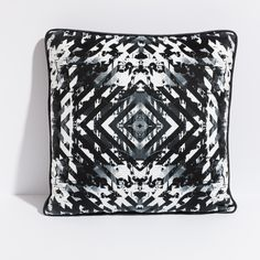 TARGET pillow by ANTIPOD: an example of the MONOCHROME trend.