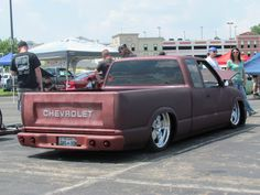 chevy pickup ratrod love the Chevy inlay on the tail gate Lowered Trucks, Lifted Trucks, Chevy Trucks, Pickup Trucks, Chevy Pickups, Rat Rod Cars, Rat Rods, Chevy S10 Xtreme, S10 Pickup