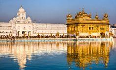 Harmandir Sahib (Golden Temple) in Amritsar, India Top 10 Tourist Destinations, Tourist Places, Temple D'or, Temple India, The Tourist, Monuments, Cool Places To Visit, Places To Go, Harmandir Sahib