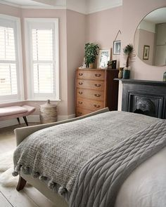 Home Decor Habitacion .Home Decor Habitacion Home Bedroom, Bedroom Decor, Bedroom Mirrors, Bedroom Ideas, Master Bedrooms, Modern Bedroom, Pink Master Bedroom, Pink Bedroom Walls, Bedroom Simple