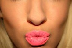 Nail polish: lipstick coral pink victoria's secret candice swanepoel