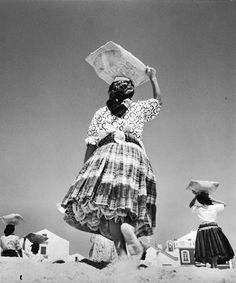 Jean Dieuzaide, Les petticoats, Nazareth, 1954. Learn Fine Art Photography - https://www.udemy.com/fine-art-photography/?couponCode=Pinterest22