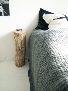 https://i.pinimg.com/236x/b8/b8/72/b8b872468add27f9dde845598ebbd68f--bedroom-designs-bedroom-ideas.jpg