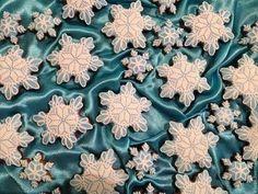 """Кулинарные сувениры ручной работы. Ярмарка Мастеров - ручная работа. Купить Козули """"Снежинки"""". Handmade. Белый, подарок, козули, рождество"""