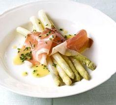 White asparagus with Serrano ham & chive dressing