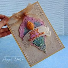 A beautiful Christmas card from Pollypurplehorse is crafty