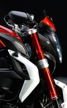 http://www.revzilla.com/common-tread/mv-agusta-brutale-800-rr-and-dragster-800-rr : leManoosh
