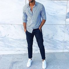 Blue jeans, sneakers and a striped shirt (or shorts). White Outfit For Men, Formal Men Outfit, Mens Fashion Semi Formal, Casual Wear For Men, Summer Outfits Men, Stylish Mens Outfits, Spring Outfits, Streetwear Men, Outfit Jeans