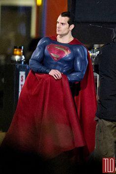 Henry-Cavill-Amy-Adams-On-Movie-Set-Batman-Superman-Dawn-Justice-Tom-Lorenzo-Site-TLO (2)