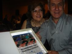 El orgullo de unos padres emocionados,: ENHORABUENA FAMILIA!!