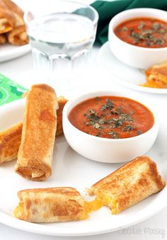Grilled-Cheese-Roll-Ups-With-Tomato-Soup-Dipping-Sauce #food #recipe #comfortfood