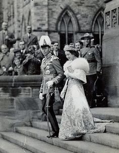 "theimperialcourt: "" King George VI and Queen Elizabeth (The Queen Mother), Ottawa, 1939 "" Royal Uk, Royal Life, Royal House, English Royal Family, British Royal Families, Windsor, Princess Elizabeth, Lady Elizabeth, Prinz Philip"