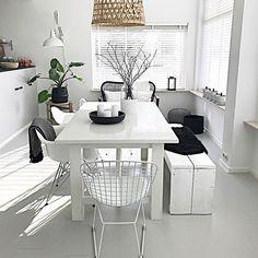 Helemaal blij met dit leuke stoeltje van @vintagelab15 aan de andere kant vd tafel staat een andere variant draadstoel, maar die is op deze foto niet te zien  Fijn weekend alvast lieve volgers! #vintagelab #draadstoel #myhomestyle #nordichome #nordicinterior #nordicstyle #nordicliving #scandinaviandesign #scandinavischwonen #scandinavianinterior #scandinavianstyle #blog #blogger #inerior4all #interior123 #showhometop5 #niceweekend