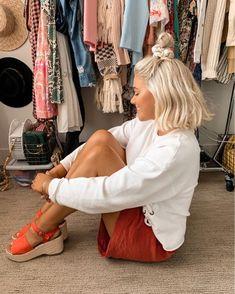 Mais informaçõesAs pessoas também amam estas ideias - Nail Effect Balayage Hair Blonde, Brown Blonde Hair, Black Hair, Hair Inspo, Hair Inspiration, Medium Hair Styles, Short Hair Styles, Fun Buns, Honey Hair