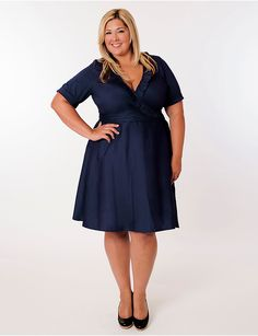The plussize Newport Dress in Navy by Eliza Parker is a great dress for fall. Love the gorgeous neckline! | #Sonsi