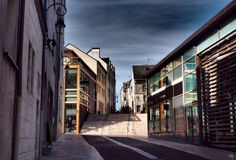 #orleansactus#orleans#ville#city#architecture#moderne#modern#design#pierres#stone#bois#wood#france#french#loiret#balade#walking#photographiederue#streetphotography France, City Architecture, Modern Design, Walking, Stone, Wood, Instagram Posts, Photos, Modernism