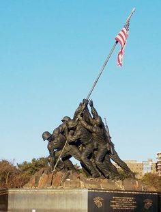 The United States Marine Corps War Memorial - Iwo Jima Memorial - lots of monuments & memorials in Arlington to see!