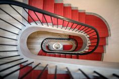 Greenwich village townhome designed by BW Architects is the first townhouse in downtown Manhattan to earn a LEED for Homes Gold rating Interior Staircase, Grand Staircase, Interior Architecture, Stairs, Interior Design, New York Townhouse, Style Asiatique, Home Nyc, Avantgarde