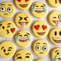 Emoji Party Cookies - See more amazing party trends for 2016 at B. - Emoji Party Cookies – See more amazing party trends for 2016 at B. Fancy Cookies, Iced Cookies, Cute Cookies, Royal Icing Cookies, Cupcake Cookies, Iced Biscuits, Cookies Et Biscuits, Party Emoji, Cookies Decorados