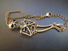 braclet rétro style forme de mort de crâne http://www.tinydeal.com/retro-style-skull-px250pz-p-85109.html