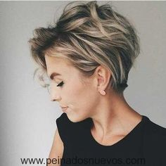 10 Messy Hairstyles for Short Hair - Quick Chic! Women Short Haircut 2019 Messy hairstyles for short hair are a great, easy-care option and a trendy fashion look, all rolled into one! In fact, short haircuts usually lead the fashion trends and the current Short Hairstyles For Women, Messy Hairstyles, Hairstyles 2018, Short Hair Cuts For Women Pixie, Edgy Bob Haircuts, Pixie Haircut For Thick Hair, Latest Haircuts, Layered Haircuts, Undercut Pixie Haircut