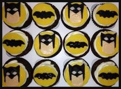 Batman Cupcakes   How to make Fondant for decorating