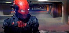 Quando Jason Todd era apenas um Robin, um parceiro do Batman, ele não era lá muito querido pelos fãs, afinal, foram eles que optaram pela morte do personagem pelas mãos do Coringa. Porém quando ele voltou dos mortos e assumiu a alcunha de Capuz Vermelho, foi quase instantâneo o carinho dos fãs por Todd. Nós …