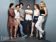 Actors camila mendes cole sprouse kj apa luke perry madelaine petsch and lili reinhart from ' Memes Riverdale, Kj Apa Riverdale, Watch Riverdale, Riverdale Archie, Betty Cooper, Archie Comics, Entertainment Weekly, The Cw, Hollywood