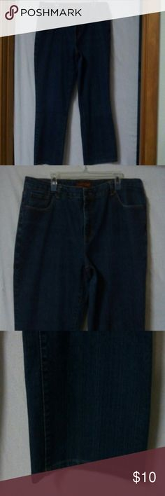 "Hillard & Hanson women plus size 20W jeans Barely worn, medium wash, zipper with a metal button, 5 pockets, have been hemmed, cotton, polyester and spandex, waist 42"", front rise 10"", inseam 27"" Hillard & Hanson Jeans"