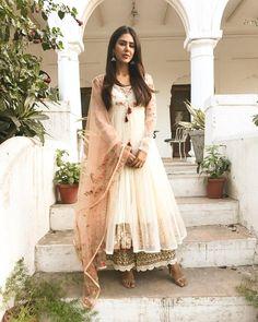 "31.3k Likes, 196 Comments - Sonam Bajwa (@sonambajwa) on Instagram: ""Happy Vaisakhi my lovelies ... Wearing @anjumodi  Earrings @fabindia  Styled by @rajitkumra…"""