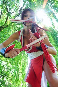 Character: Mai Shiranui / From: SNK's 'Fatal Fury' & 'King of Fighters' Video Game Series / Cosplayer: Giorgia Vecchini (aka Giorgia Cosplay)