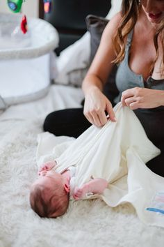 7 Unforgettable Ways to Help a New Mama! Try the HALO Sleepsack to keep baby swaddled and sleeping.