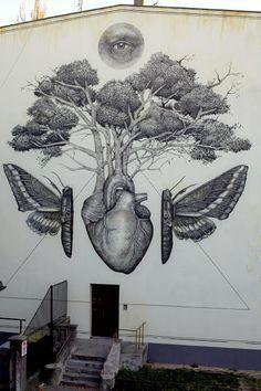 Alexis Diaz unveils a new mural in Lodz, Poland