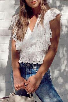 BeAvant Elegant ruffle white blouse women summer V neck embroidery lace cotton blouse shirt Vintage ladies tops shirt blusas Fearne Cotton, White Ruffle Blouse, White Lace, White Blouse Outfit, Peplum Blouse, Streetwear, Womens Fashion Casual Summer, Women's Summer Fashion, Cotton Blouses