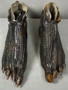The feet from the Xemomorph costume from Alien (1979)