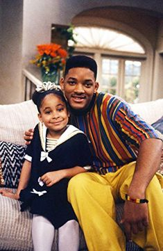 Raven-Symone & Will Smith on the set of The Fresh Prince of Bel-Air that's really old school Raven Symone, Fresh Prince, Willian Smith, Prinz Von Bel Air, That's So Raven, Disney Channel Stars, Hollywood, Stars Then And Now, Black People