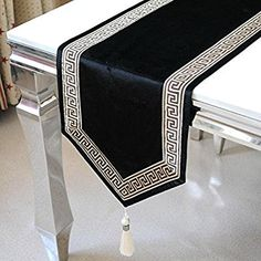 Amazon.com: SAEJJ-Pure black velvet lace embroidery European luxury gift bed flag simple fashion34180cm: Home & Kitchen Patchwork Table Runner, Table Runner And Placemats, Table Runner Pattern, Diy Crafts For Gifts, Diy Home Crafts, Rustic Table Runners, Cushion Cover Designs, Drapery Designs, Deco Table