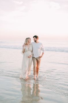 Little_corona_beach_maternity_session_.JPG – … - New Baby Trends Maternity Photography Poses, Maternity Poses, Maternity Portraits, Maternity Photographer, Family Photographer, Boudoir Photography, Photography Gloves, Photography Accessories, Maternity Outfits