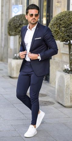 Here are also some adorable and exotic suit for the real men out there. These suits will make you look good be it on your wedding day or someone else wedding or even a special event. Blazer Outfits Men, Mens Fashion Blazer, Suit Fashion, Classy Mens Fashion, Mens Casual Suits, Stylish Mens Outfits, Men In Suits, Smart Casual Men, Casual Shirt