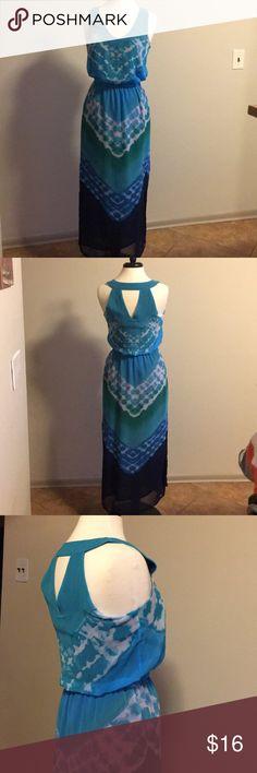 Banana Republic tie dye dress Stylish long dress with lining. Sleeveless. V neck back v shape cutout. Comfortable Banana Republic Dresses